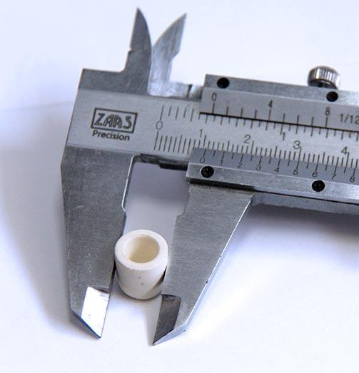 cadinho pequenos, com pouco mais de 1 centímetro de diâmetro